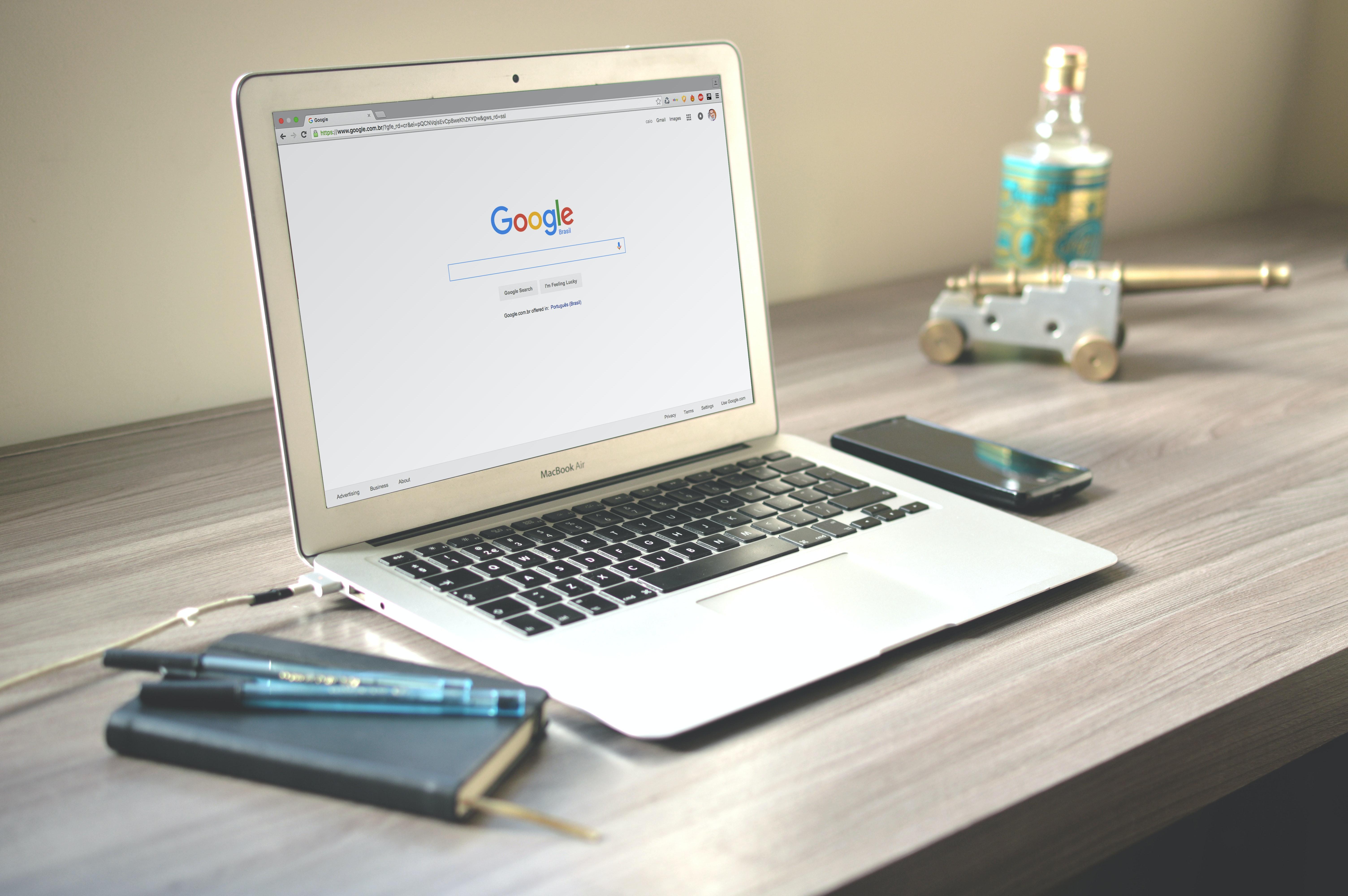 google-search-laptop